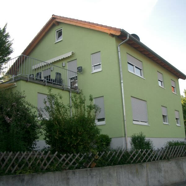 2-Familienhaus in Erlenbach – Altbaumontage.